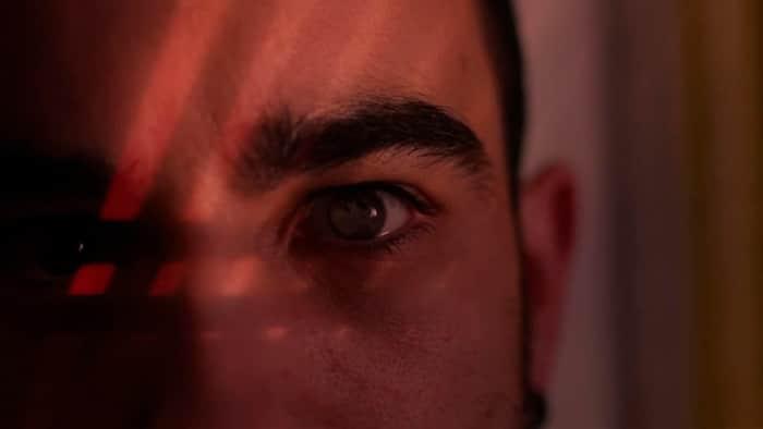 Fotograma do clip